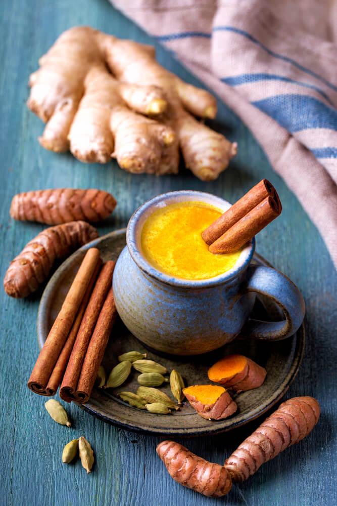 Golden Milk med gurkemeje og ingefær